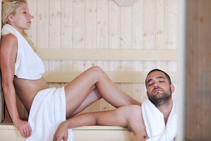 Секс в бани при людях